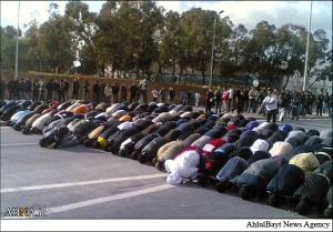 The praying of young Tunisians